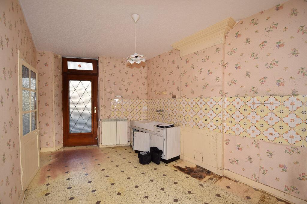 Maison à vendre 4 120m2 à Burie vignette-4