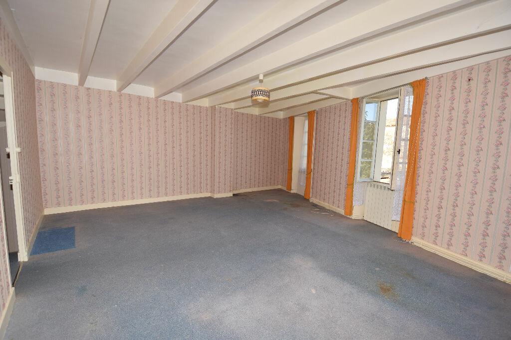 Maison à vendre 4 120m2 à Burie vignette-9