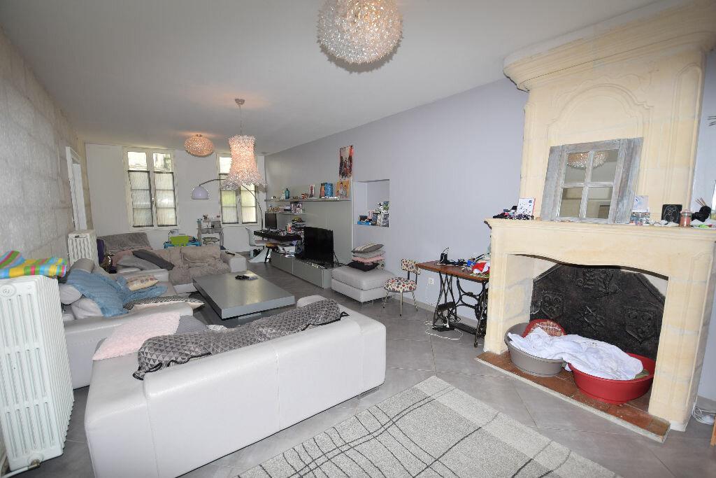 Maison à vendre 10 338m2 à Saintes vignette-5