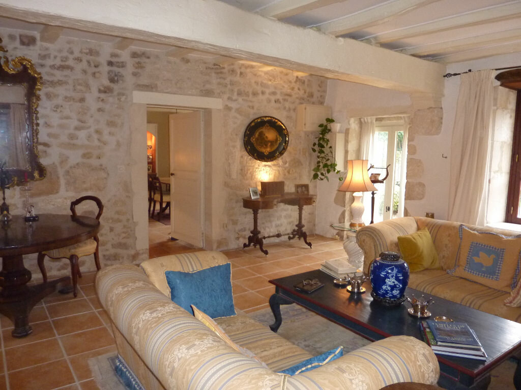 Maison à vendre 7 174m2 à Saint-Savinien vignette-2