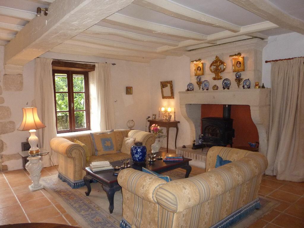 Maison à vendre 7 174m2 à Saint-Savinien vignette-4
