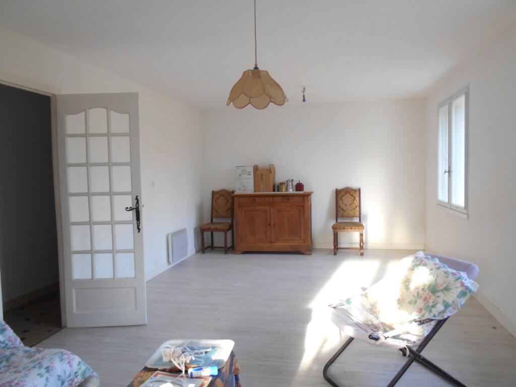 Maison à vendre 4 128m2 à Bords vignette-9