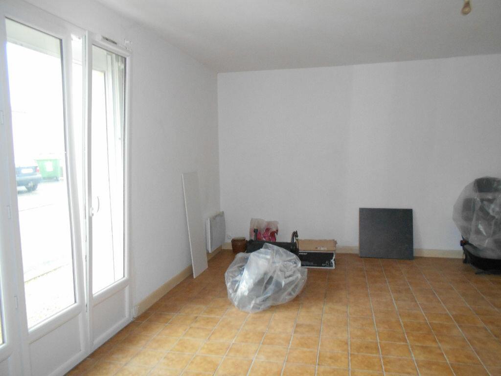 Maison à vendre 4 128m2 à Bords vignette-10