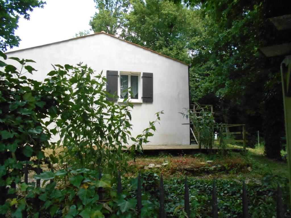 Maison à vendre 5 114m2 à Saint-Porchaire vignette-1
