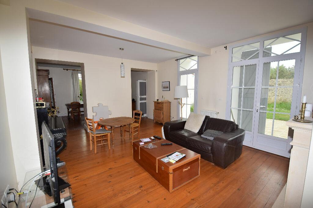 Maison à vendre 7 185.41m2 à Saint-Jean-d'Angle vignette-4