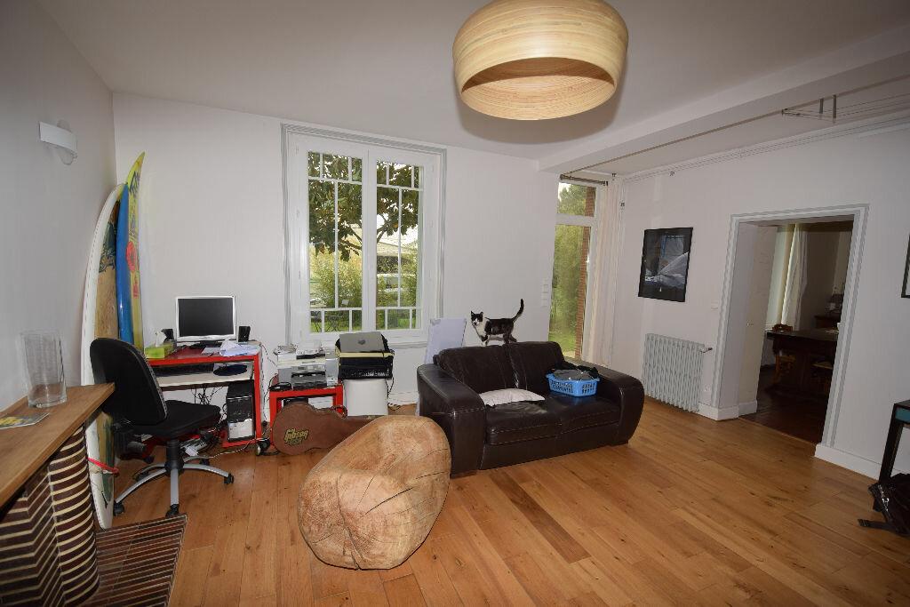 Maison à vendre 7 185.41m2 à Saint-Jean-d'Angle vignette-8
