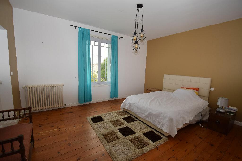 Maison à vendre 7 185.41m2 à Saint-Jean-d'Angle vignette-12