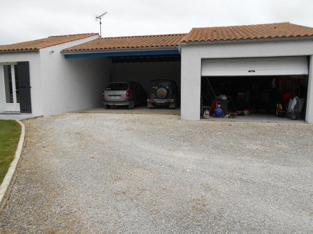 Maison à vendre 6 120m2 à La Vallée vignette-2