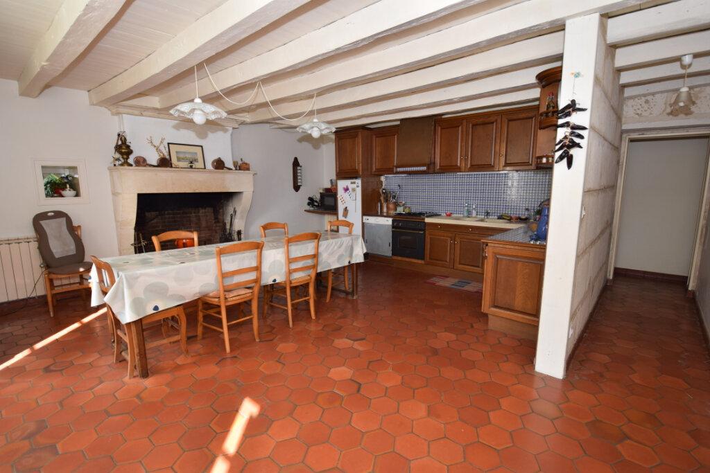 Maison à vendre 6 254m2 à Saint-Savinien vignette-4