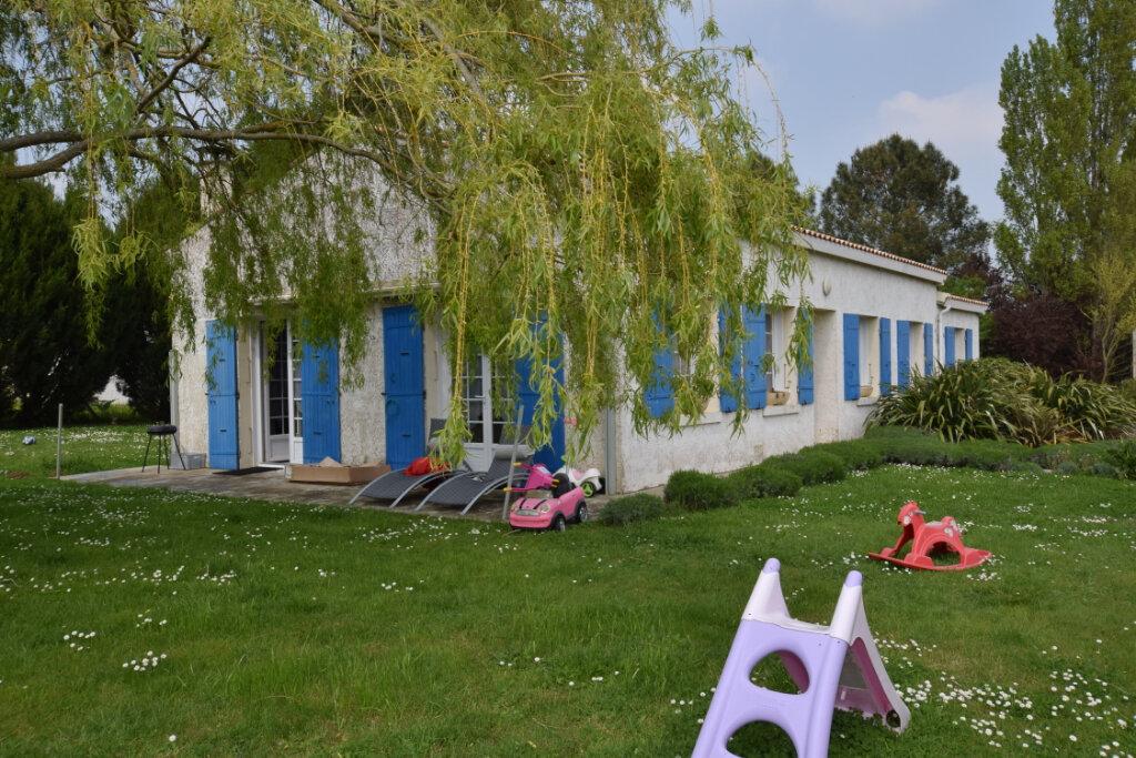Maison à vendre 4 90m2 à Saint-Sulpice-d'Arnoult vignette-1