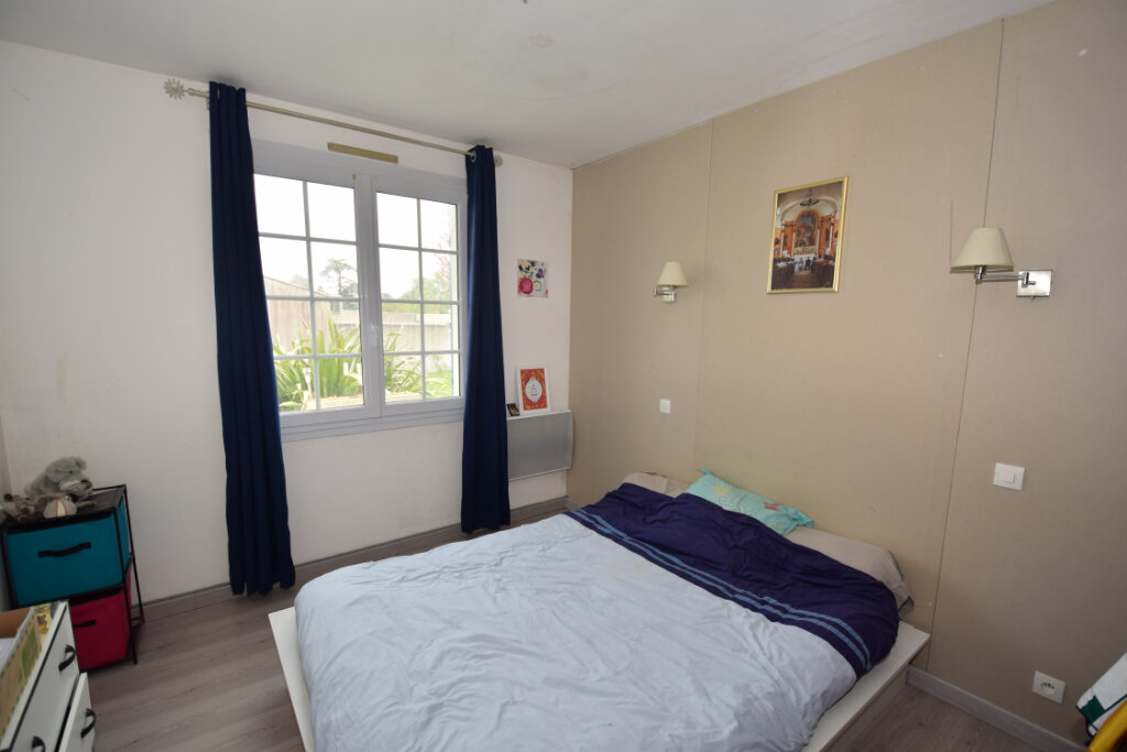 Maison à vendre 4 90m2 à Saint-Sulpice-d'Arnoult vignette-3