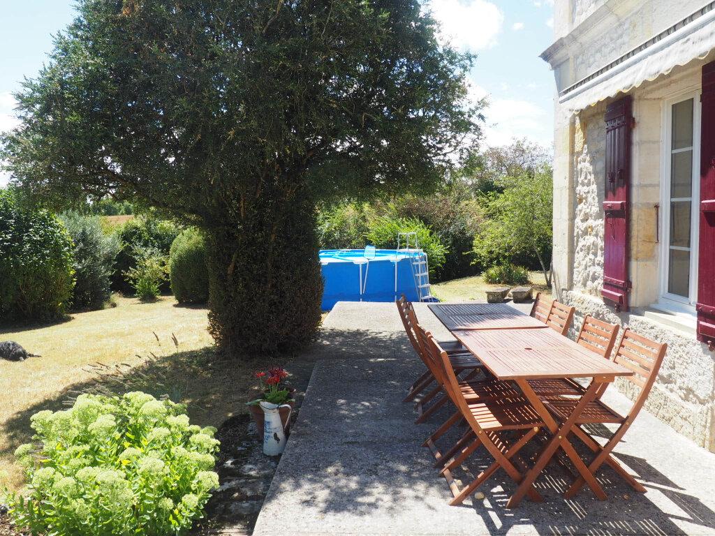 Maison à vendre 8 330m2 à Port-d'Envaux vignette-1