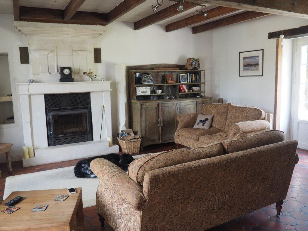 Maison à vendre 8 330m2 à Port-d'Envaux vignette-3