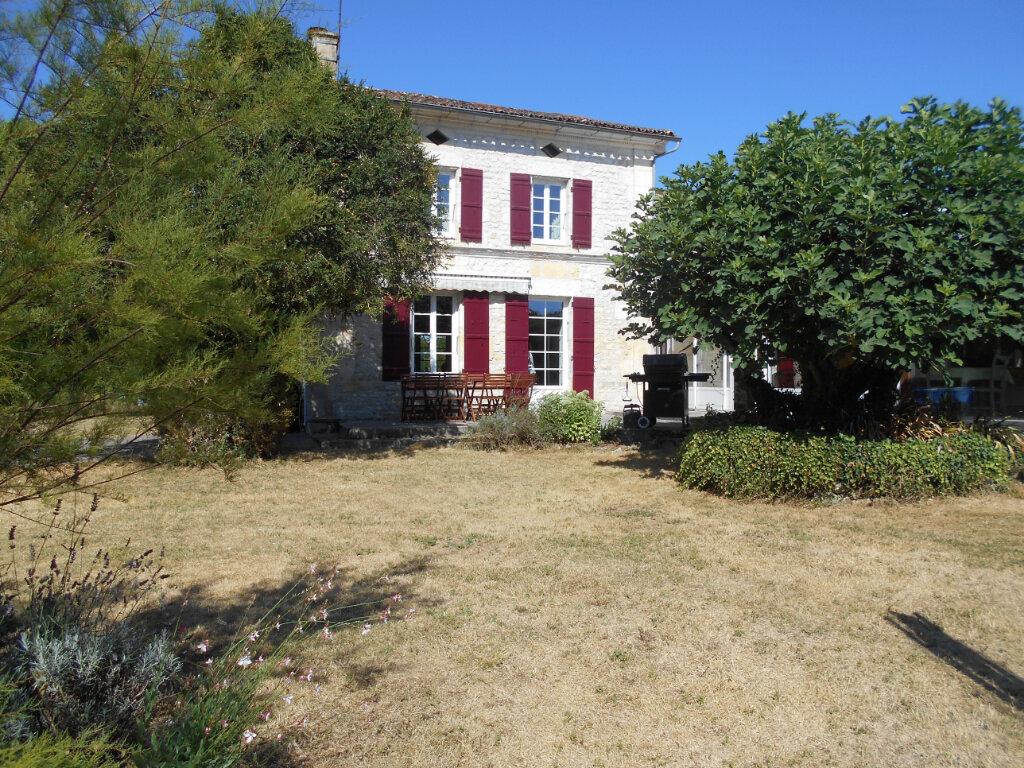 Maison à vendre 8 330m2 à Port-d'Envaux vignette-4