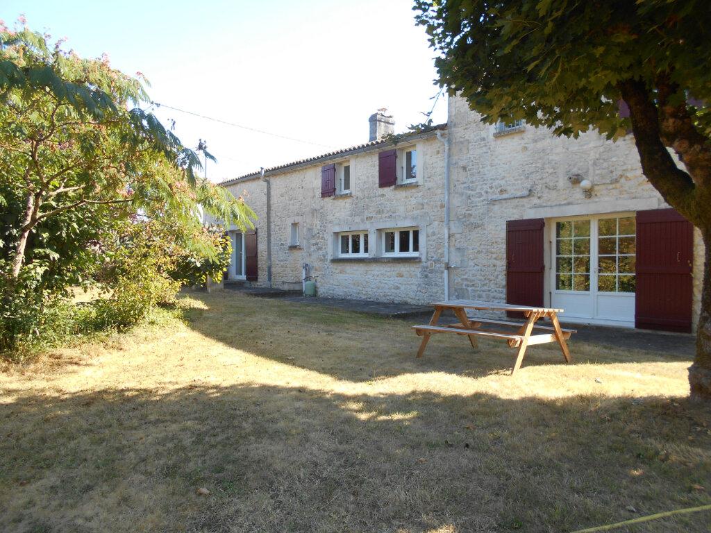 Maison à vendre 8 330m2 à Port-d'Envaux vignette-8