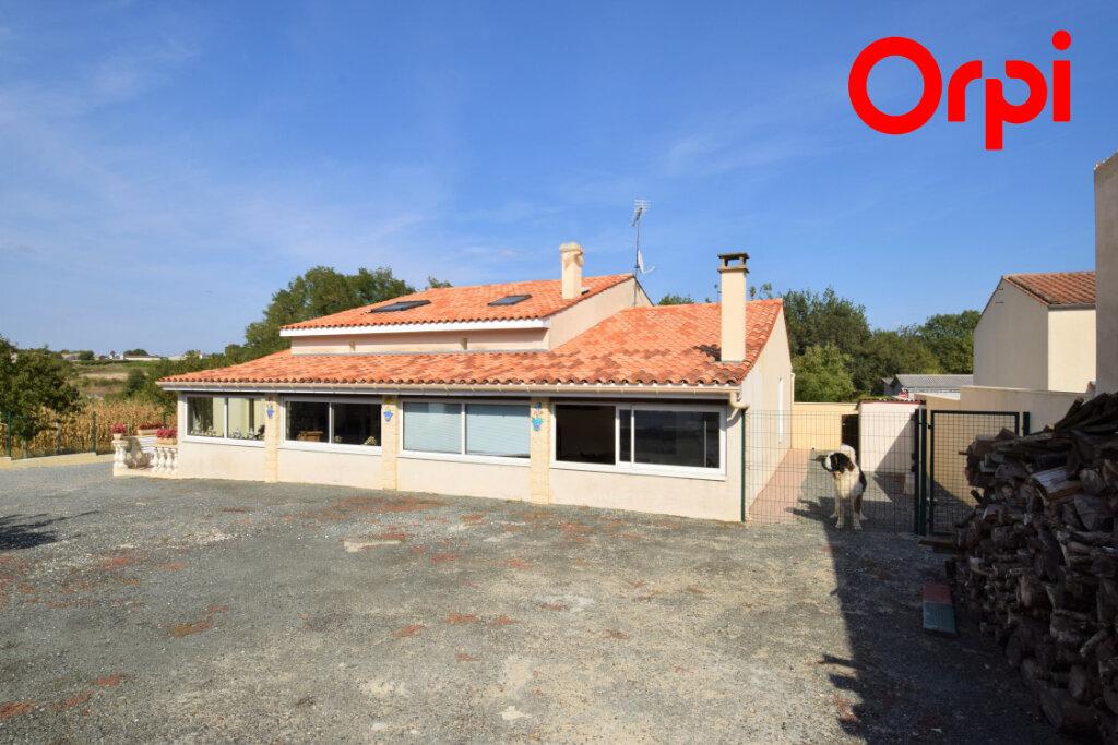 Maison à vendre 6 170m2 à Saintes vignette-2
