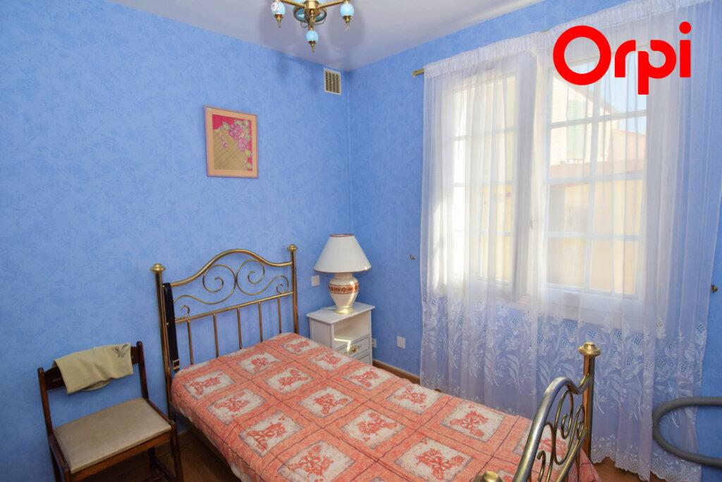 Maison à vendre 6 170m2 à Saintes vignette-5