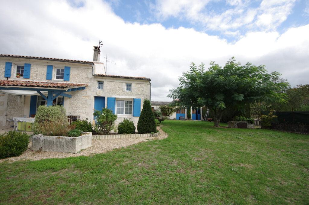 Maison à vendre 6 216m2 à Saintes vignette-2