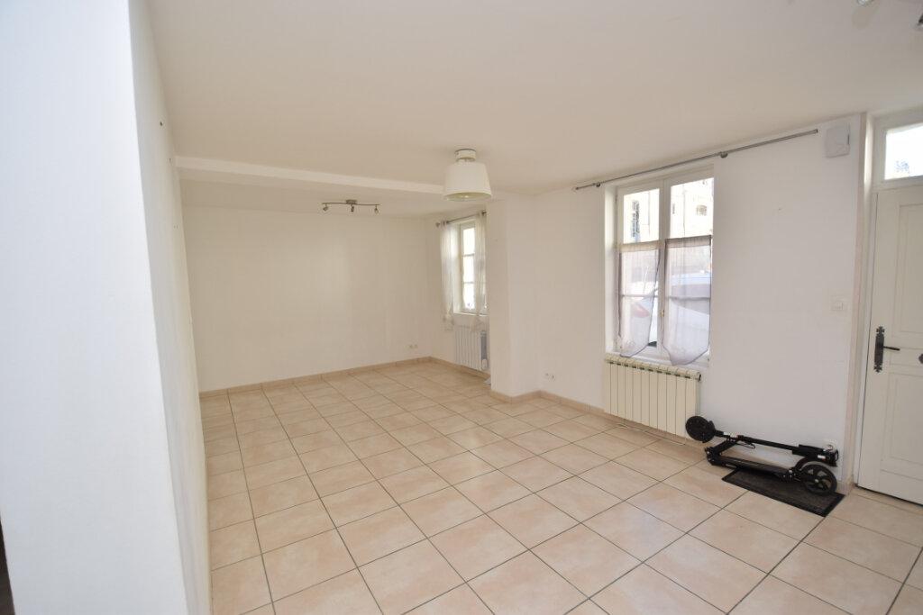 Maison à vendre 4 81m2 à Saintes vignette-4