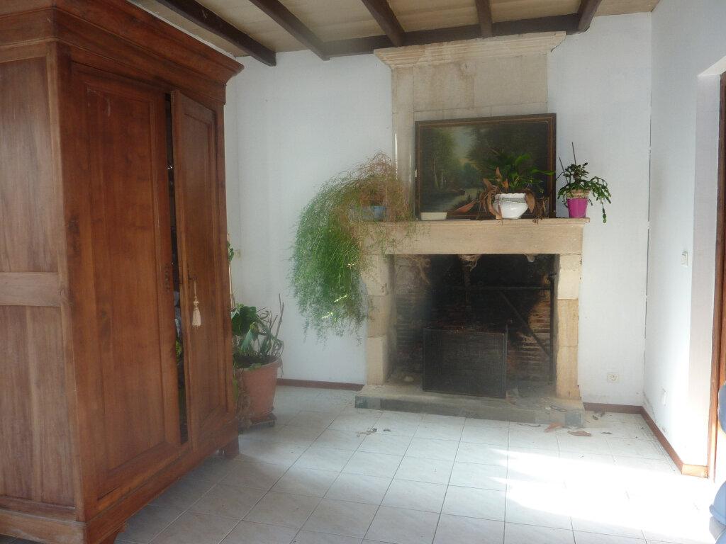 Maison à vendre 5 149m2 à Archingeay vignette-1