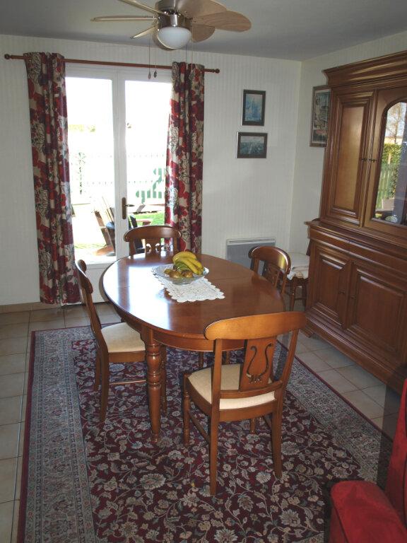Maison à vendre 6 122m2 à Bussac-sur-Charente vignette-4