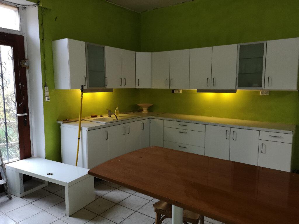 Maison à vendre 6 163m2 à Saint-Savinien vignette-2