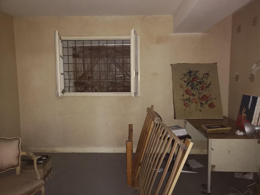 Maison à vendre 6 163m2 à Saint-Savinien vignette-5