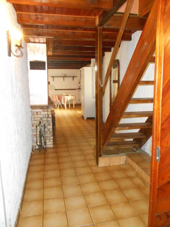 Maison à vendre 4 162m2 à Sainte-Radegonde vignette-3