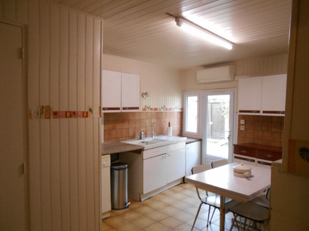 Maison à vendre 4 162m2 à Sainte-Radegonde vignette-4