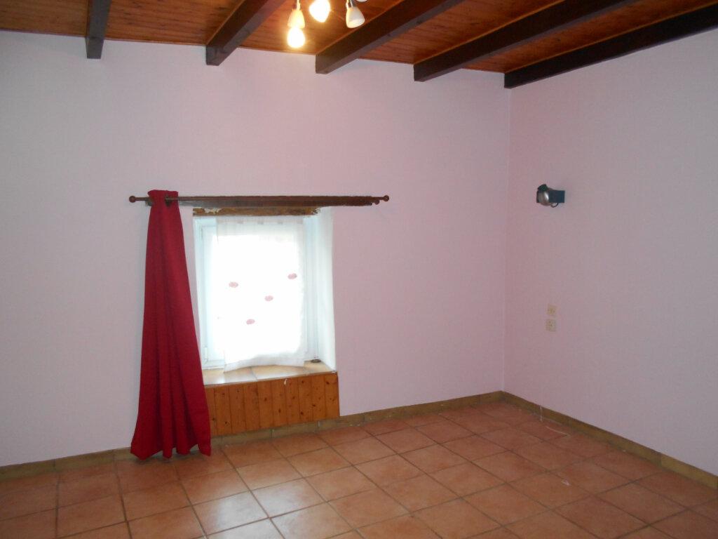 Maison à vendre 4 162m2 à Sainte-Radegonde vignette-6