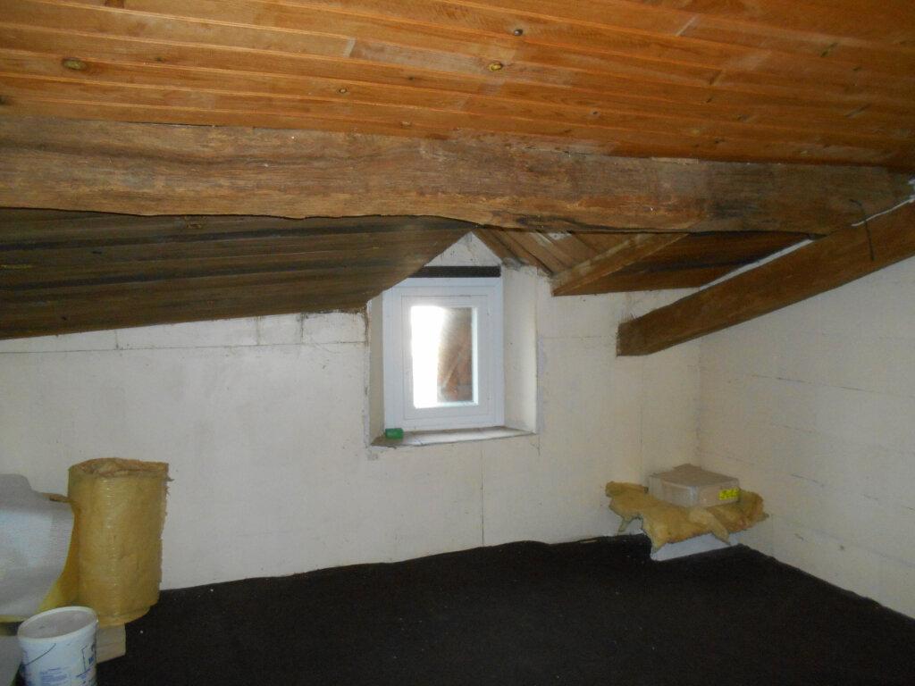 Maison à vendre 4 162m2 à Sainte-Radegonde vignette-8