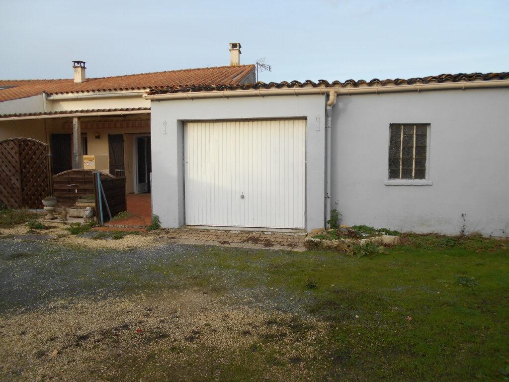 Maison à vendre 4 162m2 à Sainte-Radegonde vignette-10