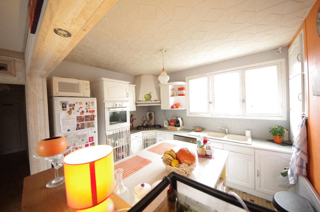 Maison à vendre 6 168m2 à Saint-Césaire vignette-5