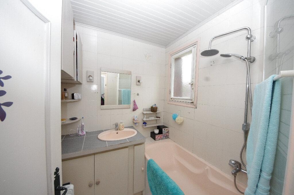 Maison à vendre 6 168m2 à Saint-Césaire vignette-6