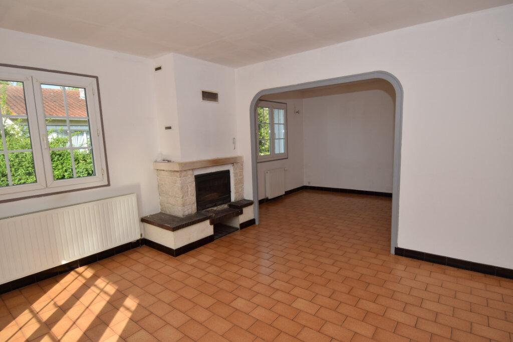 Maison à vendre 4 139.76m2 à Bords vignette-6