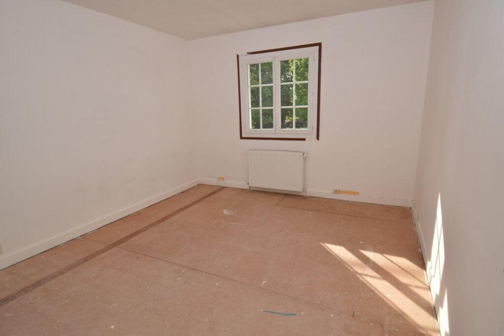 Maison à vendre 4 139.76m2 à Bords vignette-10