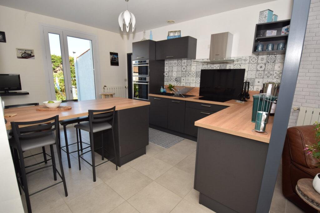 Maison à vendre 5 124m2 à Saint-Porchaire vignette-4