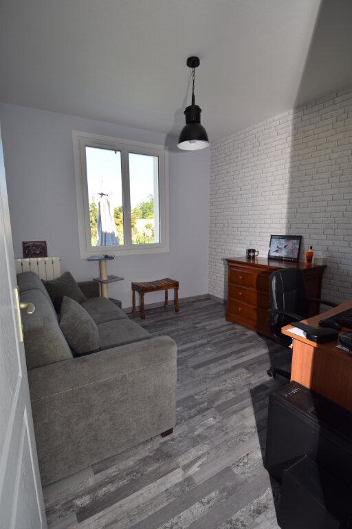 Maison à vendre 5 124m2 à Saint-Porchaire vignette-6