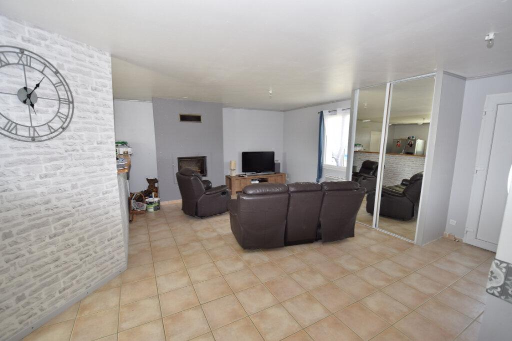 Maison à vendre 5 121m2 à Saint-Sulpice-d'Arnoult vignette-3