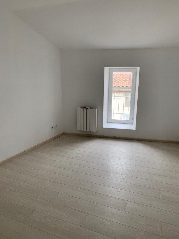 Maison à louer 6 135m2 à Saint-Savinien vignette-6