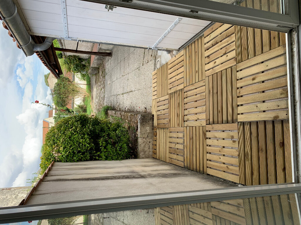 Maison à louer 6 135m2 à Saint-Savinien vignette-12