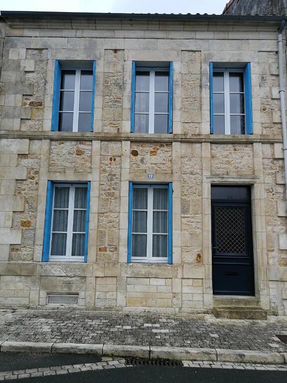 Maison à louer 3 93.21m2 à Corme-Royal vignette-1