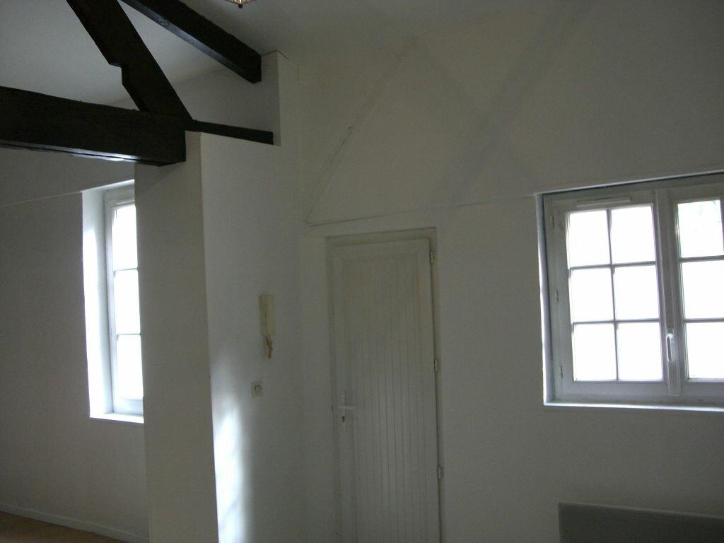 Appartement à louer 2 50m2 à Saint-Pierre-des-Corps vignette-2