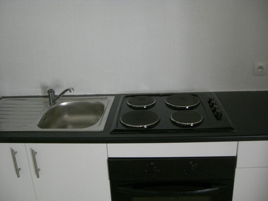 Appartement à louer 2 50m2 à Saint-Pierre-des-Corps vignette-4