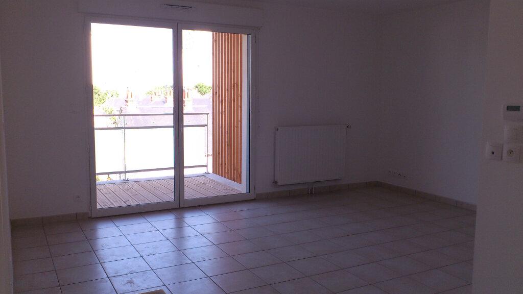 Appartement à louer 2 42.85m2 à Tours vignette-3
