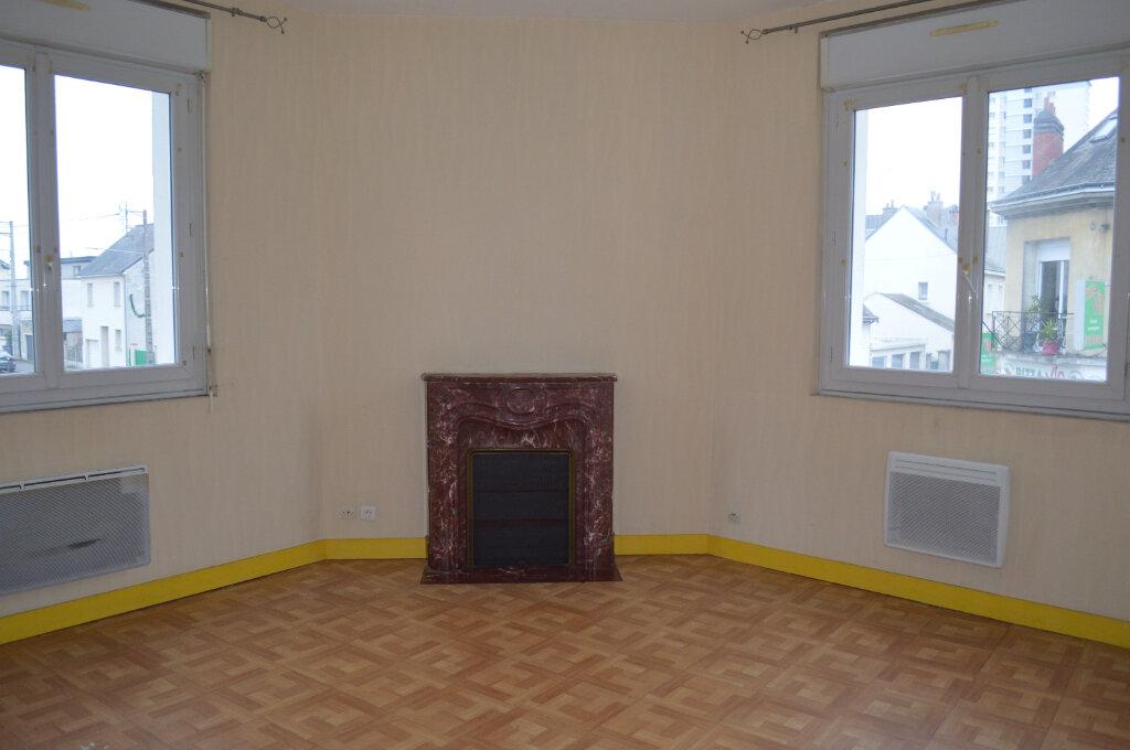 Appartement à louer 2 45m2 à Saint-Pierre-des-Corps vignette-2
