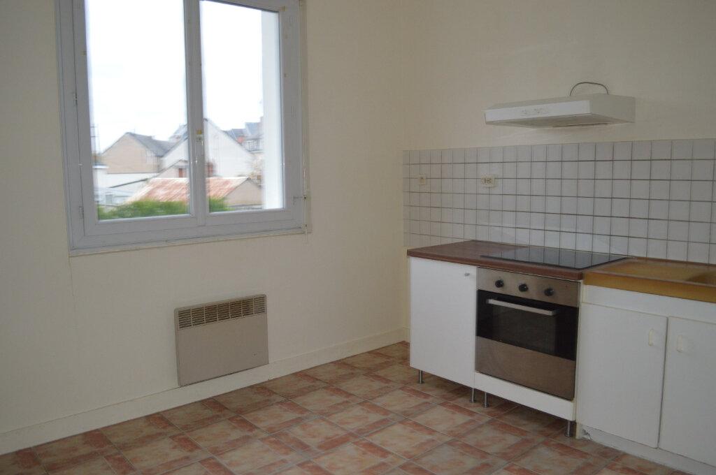 Appartement à louer 2 45m2 à Saint-Pierre-des-Corps vignette-4