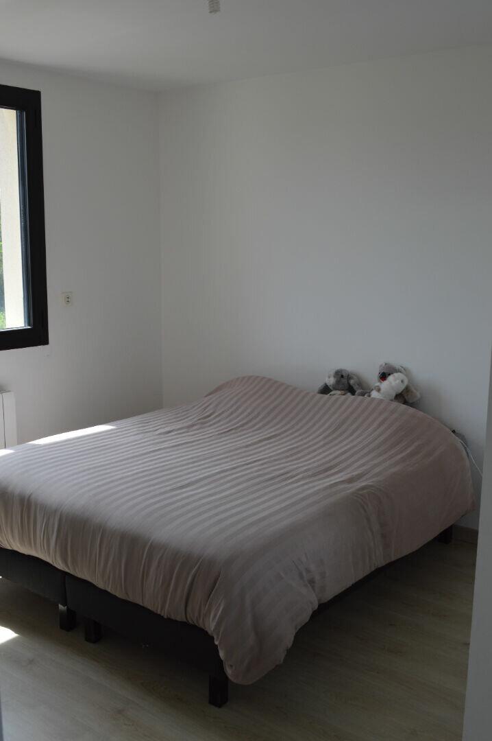 Appartement à louer 4 80.75m2 à Saint-Pierre-des-Corps vignette-5