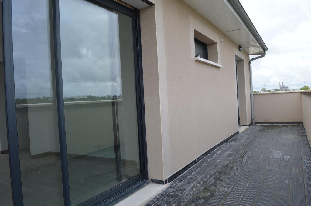 Appartement à louer 3 65m2 à Saint-Pierre-des-Corps vignette-4