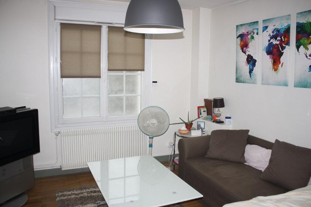 Appartement à louer 1 31m2 à Tours vignette-4